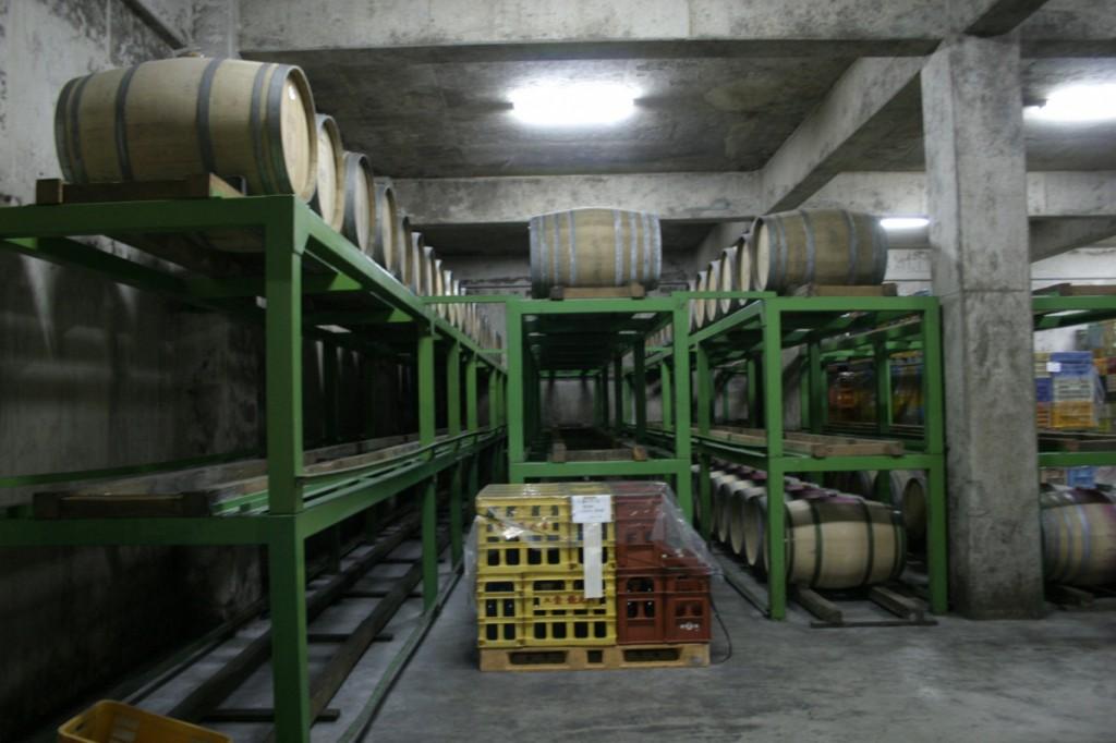 タケダワイナリーのワイン貯蔵庫